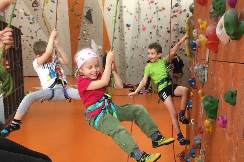 Regelmäßiges Klettertraining für Kinder und Jugendliche